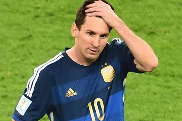 Lionel Messi reacts after defe