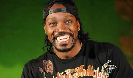 chris-gayle-comes-on-stage-2.jpg